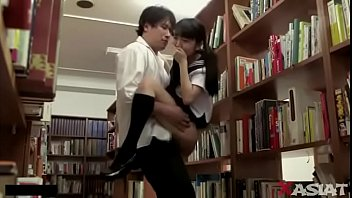 เย็ดในห้องสมุด เย็ดนักเรียน หนังโป้เอวี หนังโป้เด็กญีปุ่น ยกขาเย็ด