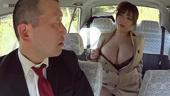 แท็กซี่โรคจิต เอาในรถ เย็ดแลกค่ารถ เย็ดสาวนมใหญ่ เย็ดร่องนม