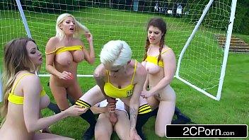 โค้ชฟุตบอล โค้ชควยใหญ่ เรียงคิยนั่งเย็ด เย็ดในสนามบอล หีฝรั่ง