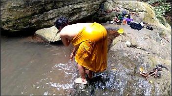 แอบเย็ดแม่ เย็ดในน้ำ เย็ดแม่ เย็ดตอนอาบน้ำ เย็ดกลางแจ้ง