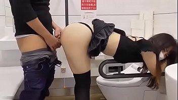 โก่งโค้งเย็ด แอบเอาในห้องน้ำ แอบเย็ดแฟนเพื่อน แอบxxx เล่นชู้
