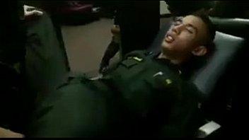 เอาตูด เย็ดสด เย็ดตูดตำรวจ เย็ดคาชุดราชการ เกย์ลาว
