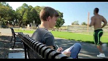 โม๊กสด โม๊กควยเกย์ เสียวรูขี้ เย็ดใส่ถุงยาง เย็ดในสวนสาธารณะ