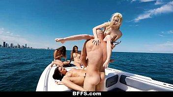 ไปเปอร์ เพอร์รี่ โป๊เด็ดฝรั่ง18+ เอากันบนเรือ เลียหีฝรั่ง เย็ดหมู่