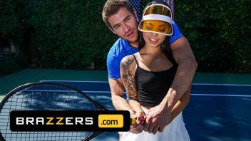 เย็ดเก่ง เย็ดหีนักกีฬา เย็ดนักเทนนิสสาว เย็ดนักเทนนิส เย็ดกลางสนาม